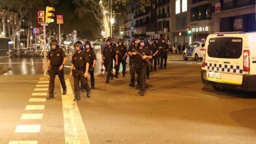 crashed-catalonian-barcelona-pedestrians-escuadra-officers-ramblas_7ec2c75c-83c4-11e7-aa81-8a4dce36eef3